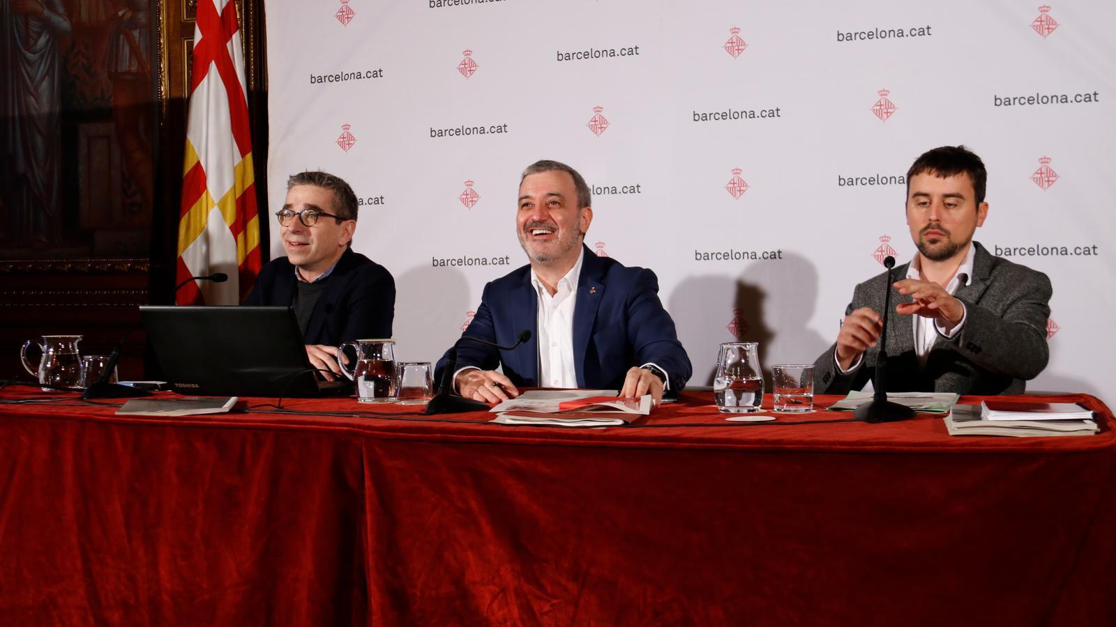 Els regidors Jordi Martí, Jaume Collboni i Marc Serra
