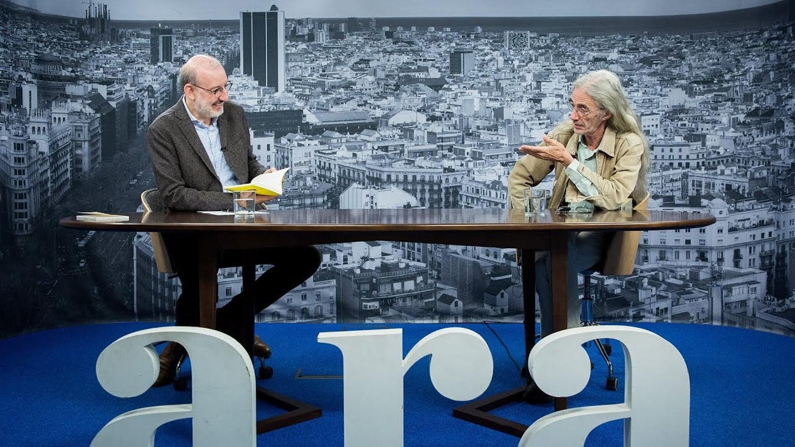 Entrevista d'Antoni Bassas a Enric Casasses
