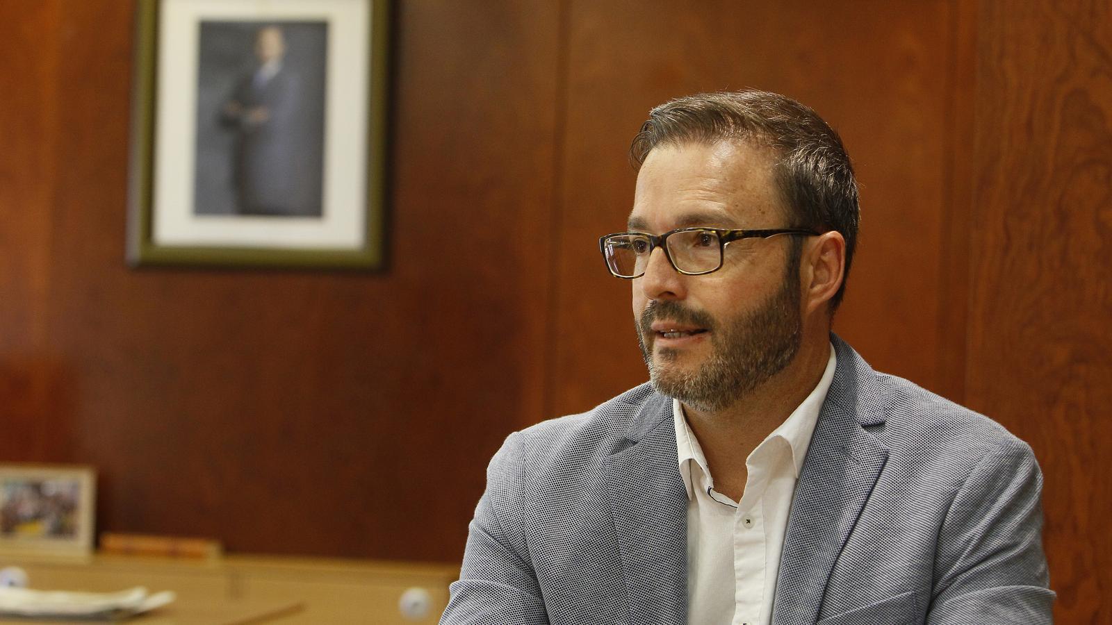 El batle de Palma, José Hila, al seu despatx de Cort