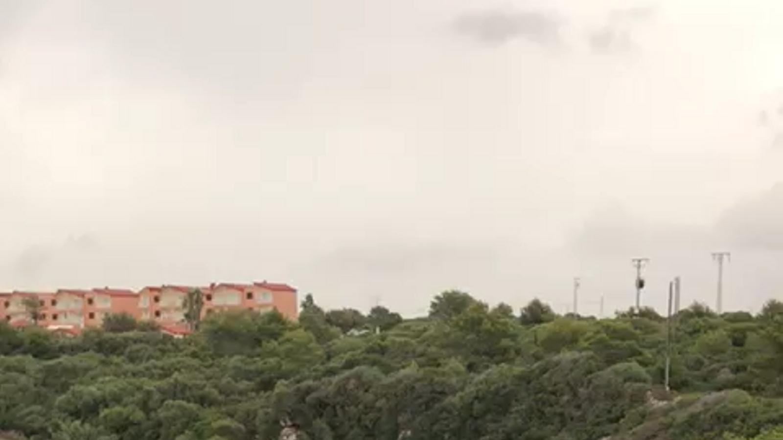 S'inunda el passeig del Port d'Alcúdia a causa de la rissaga