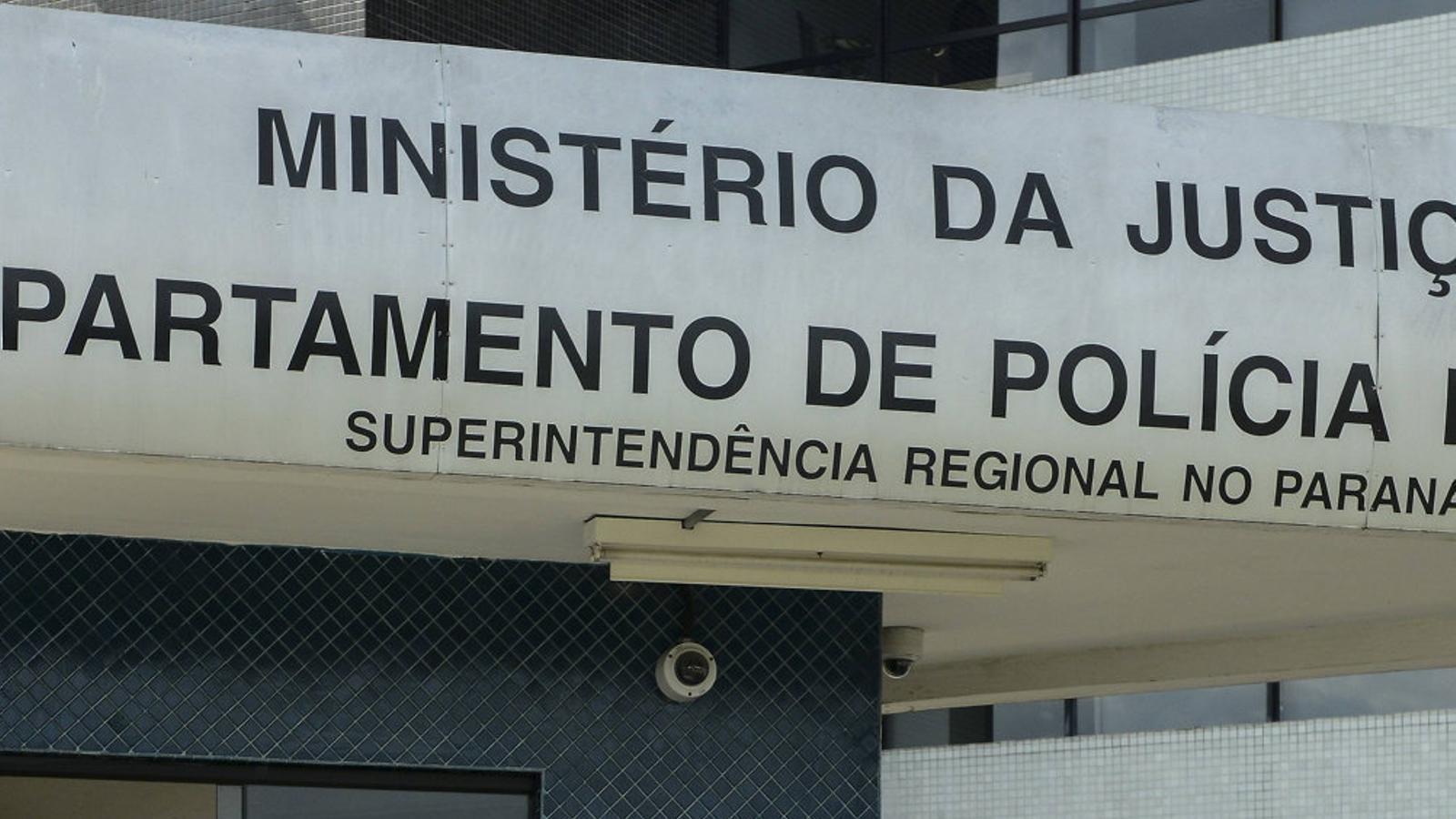 """Leandro Boff: """"Bolsonaro farà tants errors que els militars el destituiran i assumiran el poder"""""""