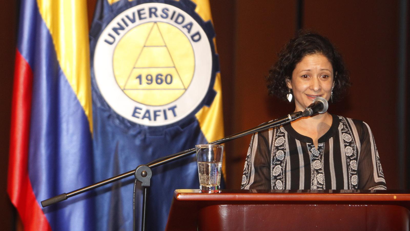L'escriptora colombiana Pilar Quintana en un acte a Medellín