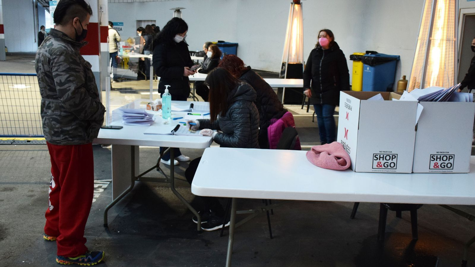 El punt de recollida des tests d'antígens ubicat a l'antiga plaça de Braus d'Andorra la Vella. / M. P. (ANA)