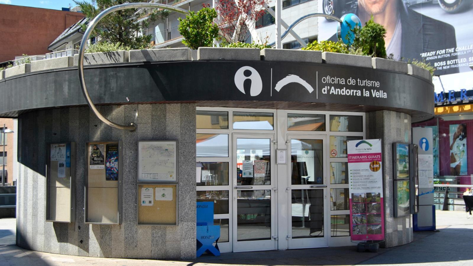L 39 oficina de turisme d 39 andorra la vella at n un 6 m s d for Oficina de turisme