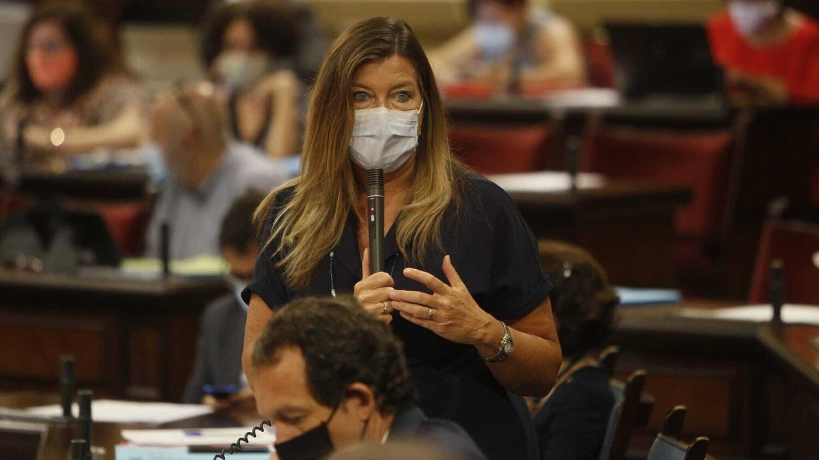 La consellera de Salut, Patricia Gómez, al Parlament balear.