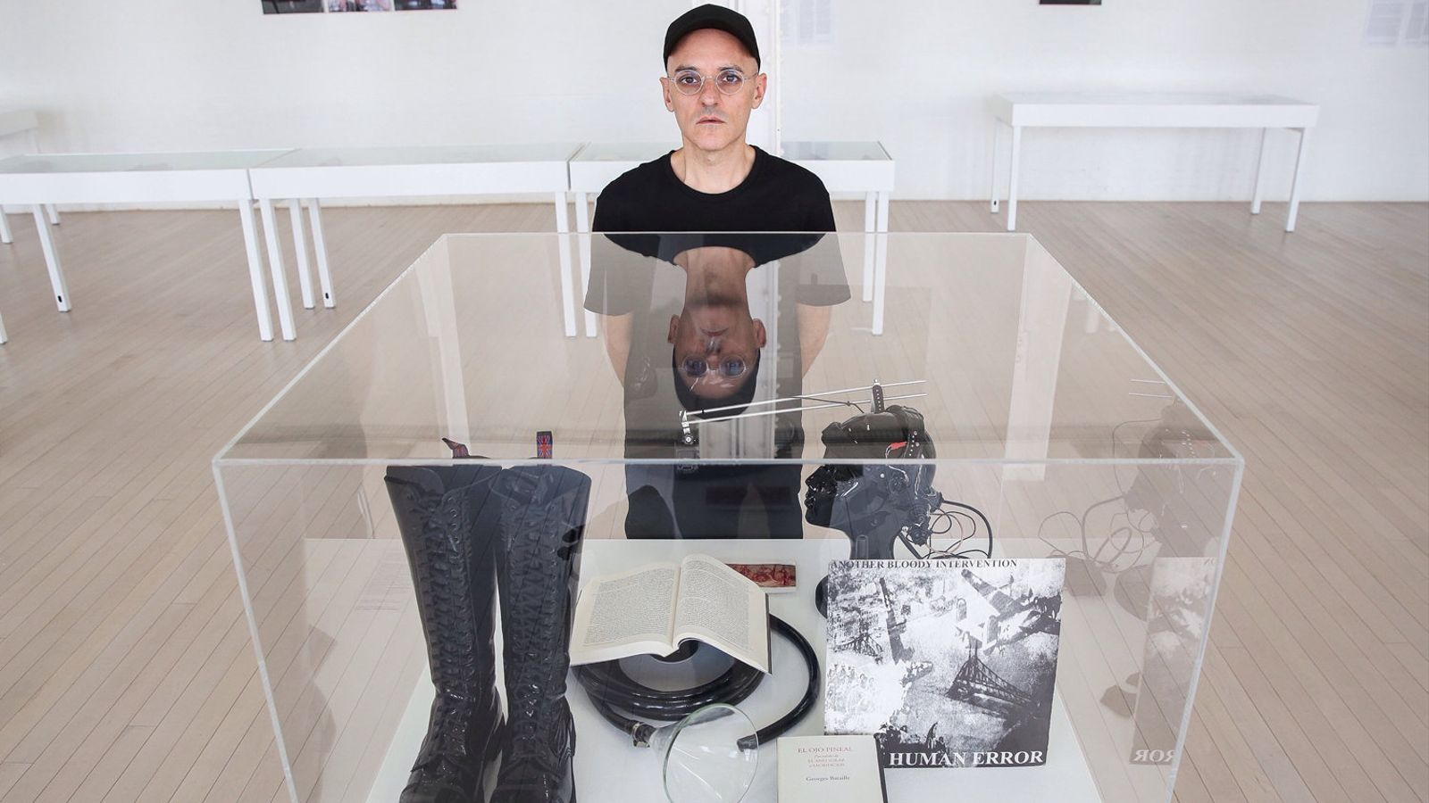 Joan Morey en un dels espais expositius del Centre d'Art Contemporani de la Fabra i Coats.