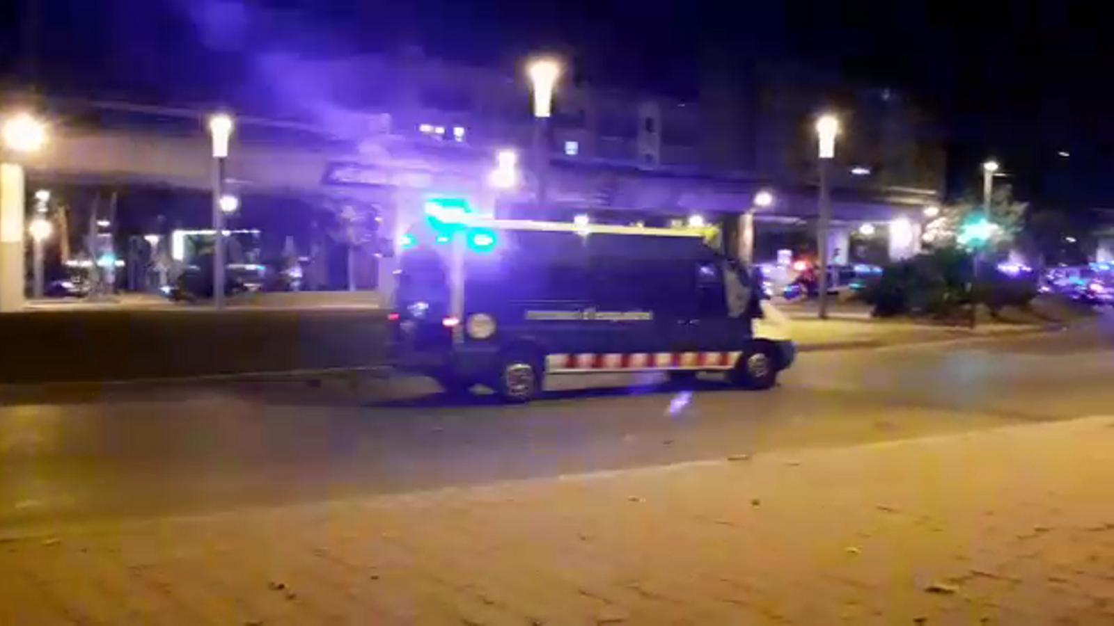 Carrusel dels Mossos a Girona per dissoldre manifestants