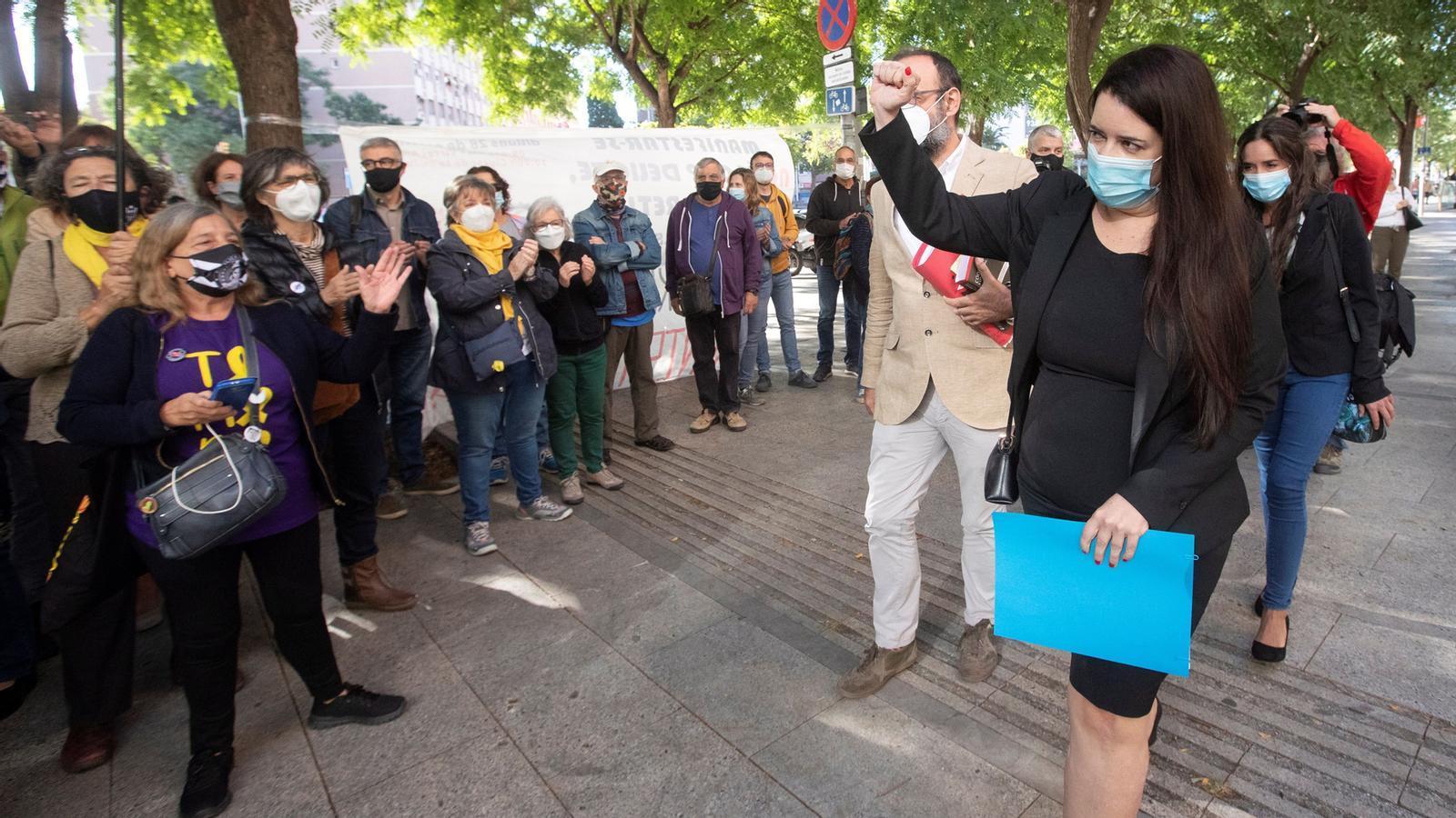 Absolta Tamara Carrasco, les discoteques ja poden obrir sense ball fins a les tres, i el Barça és a menys de mil firmes per a la censura de Bartomeu: les claus del dia, amb Antoni Bassas (07/10/2020)