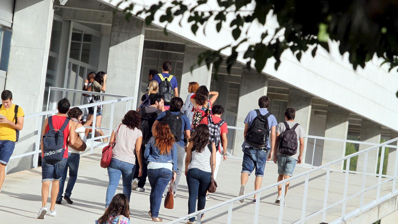 Els alumnes de la UIB encara no saben si duran a terme el referèndum