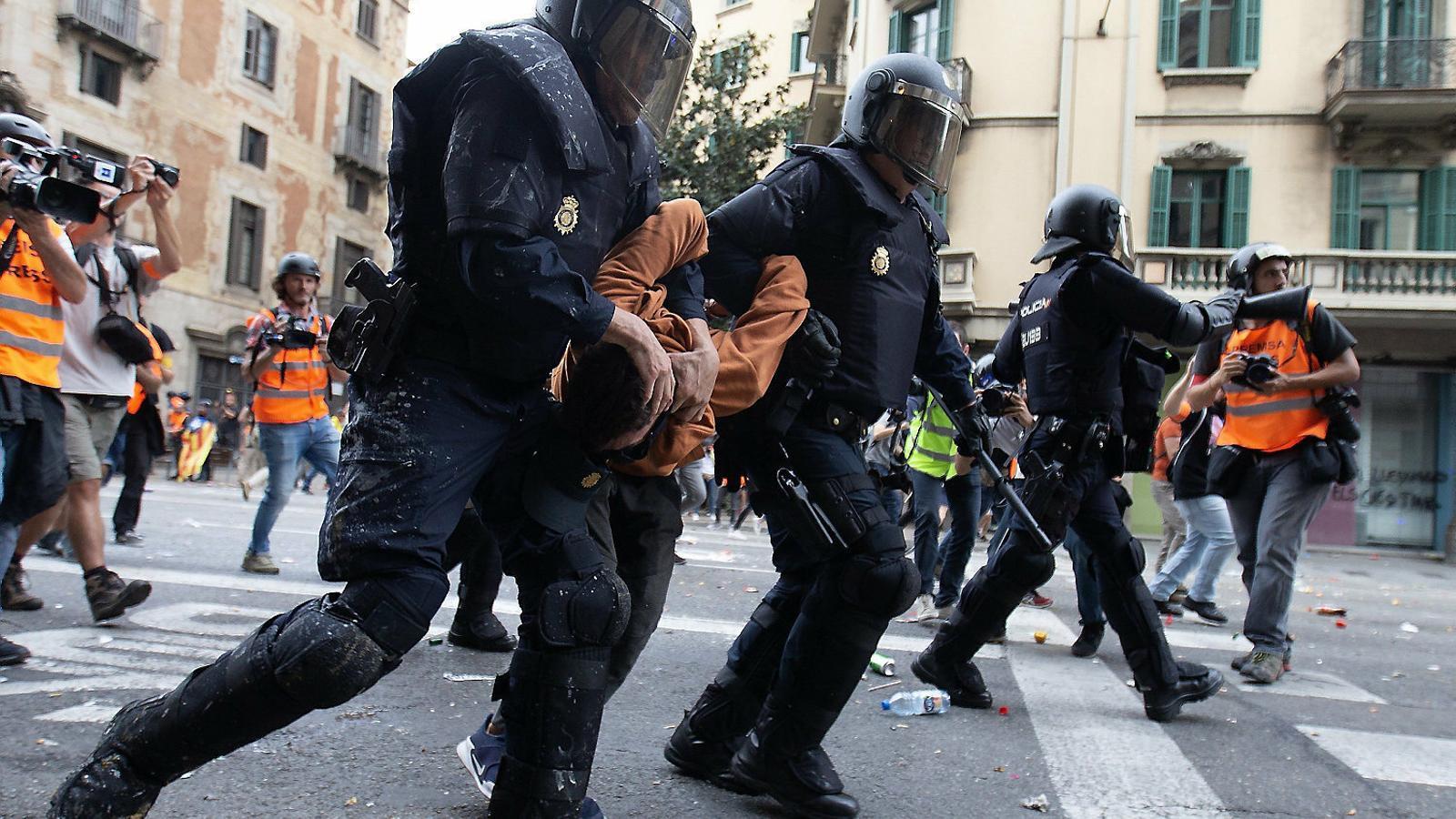 Cinc ombres de dubte sobre les detencions