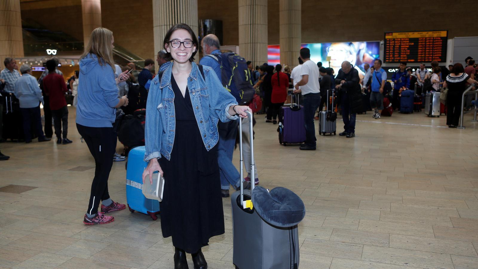 Lara Alqasem a l'aeroport de Ben Gurion, prop de Tel Aviv.