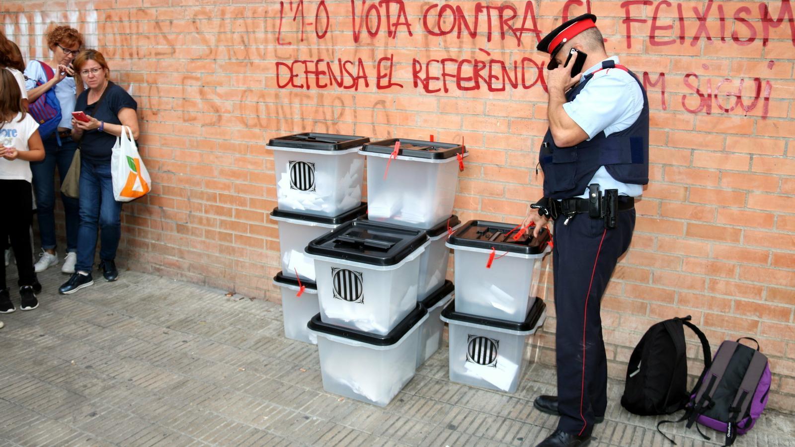 Un jutge arxiva la investigació contra els comandaments dels Mossos a Lleida per l'1-O