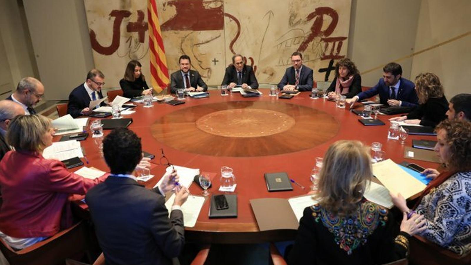 Torra alenteix el calendari de la taula de diàleg entre governs