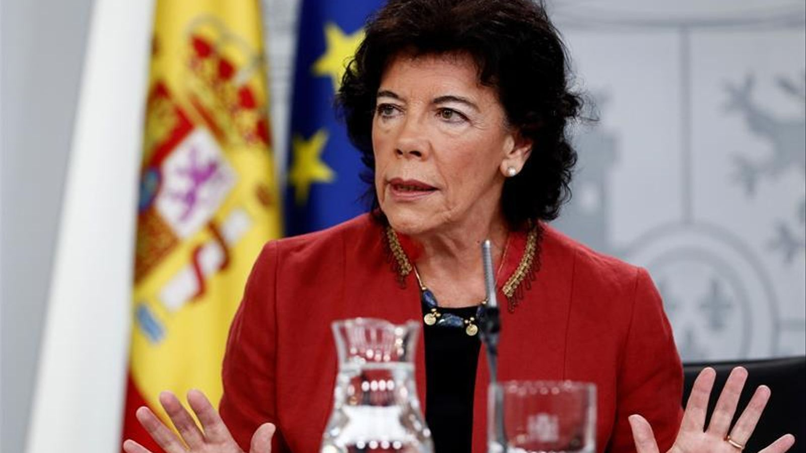 La ministra portaveu del govern espanyol, Isabel Celaá, durant la roda de premsa posterior al consell de ministres. EFE