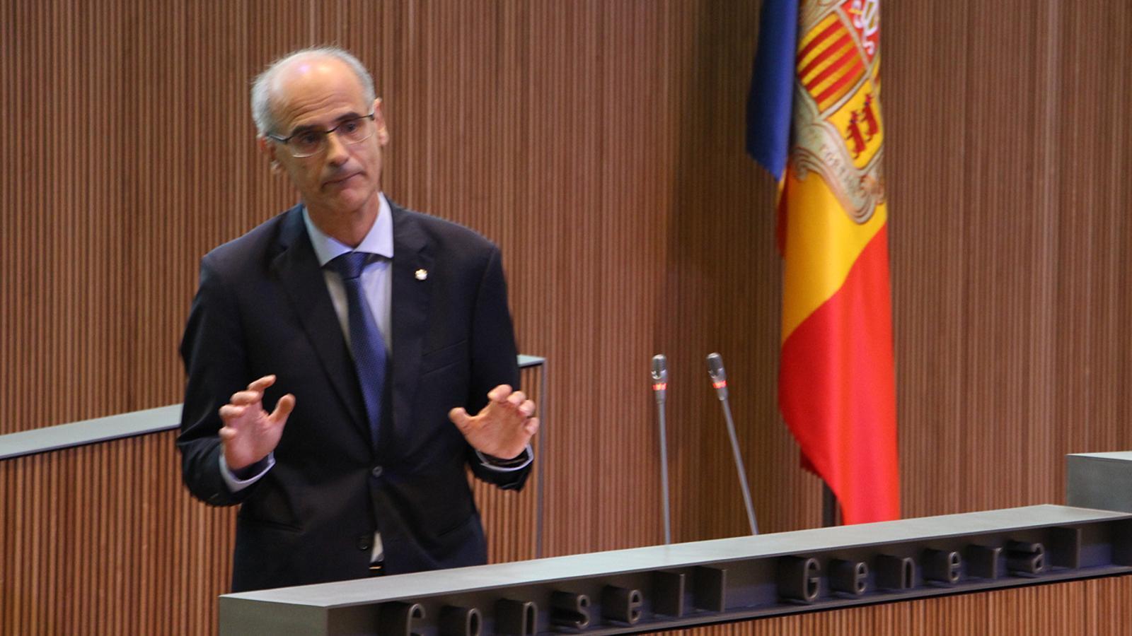 El cap de Govern, Toni Martí, durant el seu discurs de rèplica als grups de l'oposició on ha anunciat la data electoral. / M. M. (ANA)