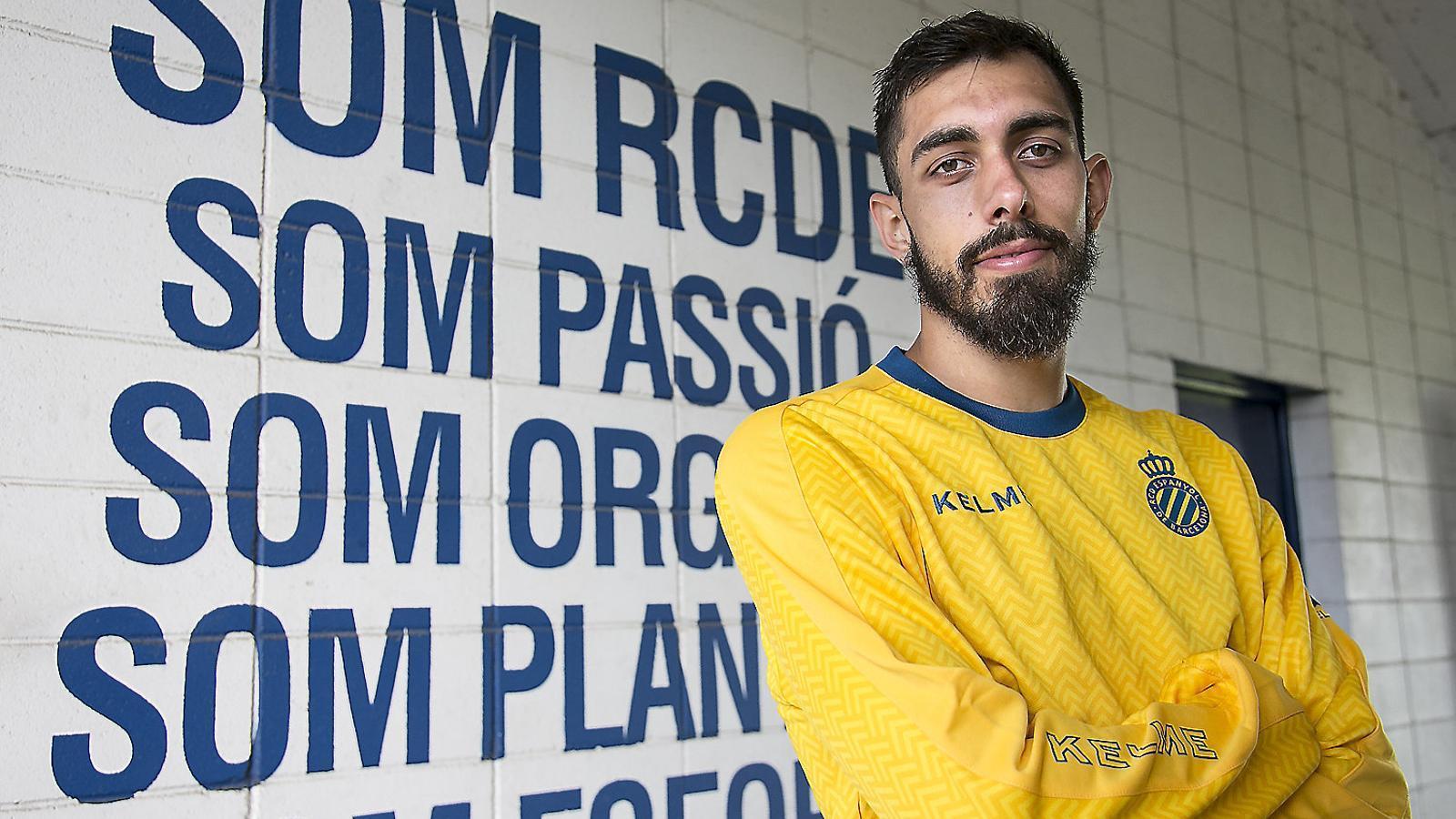 """Borja Iglesias: """"Els futbolistes som gent normal, però estem encasellats"""""""