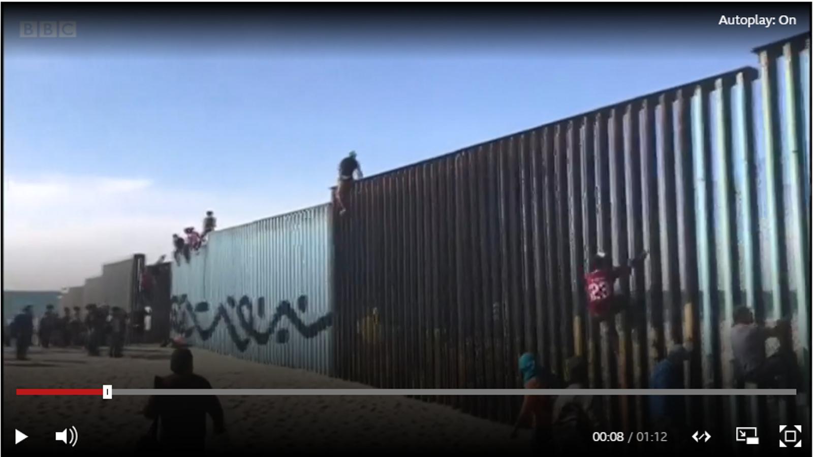 La caravana de migrants arriba a la frontera amb els Estats Units.