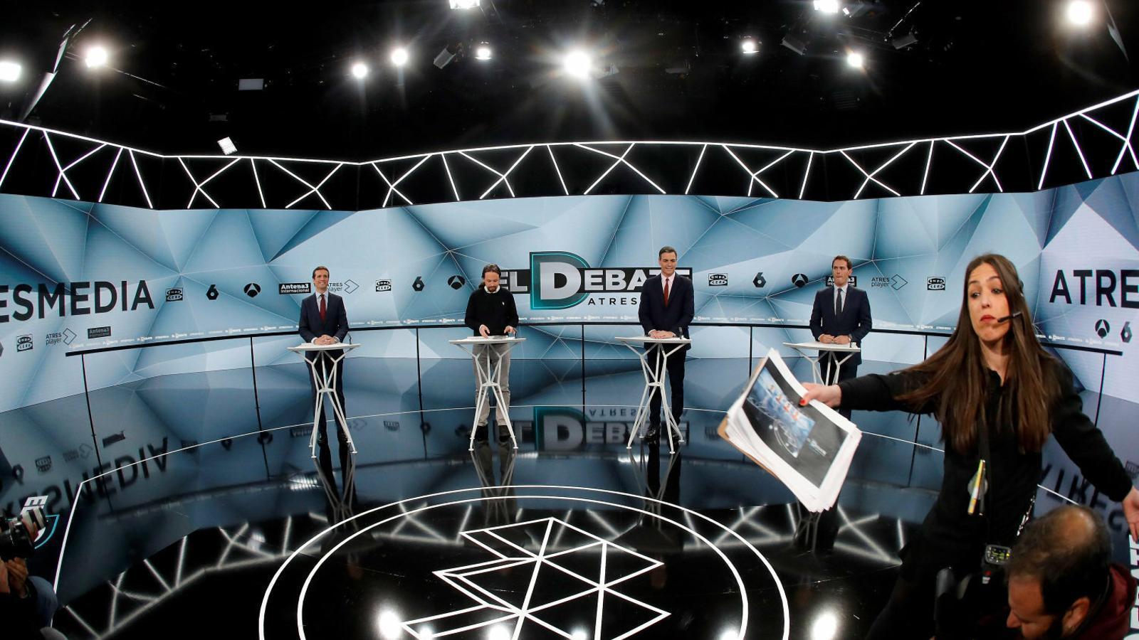 Pablo Casado, Pablo Igleias, Pedro Sánchez i Albert Rivera ahir en el debat a quatre que es va fer als platós d'Atresmedia.