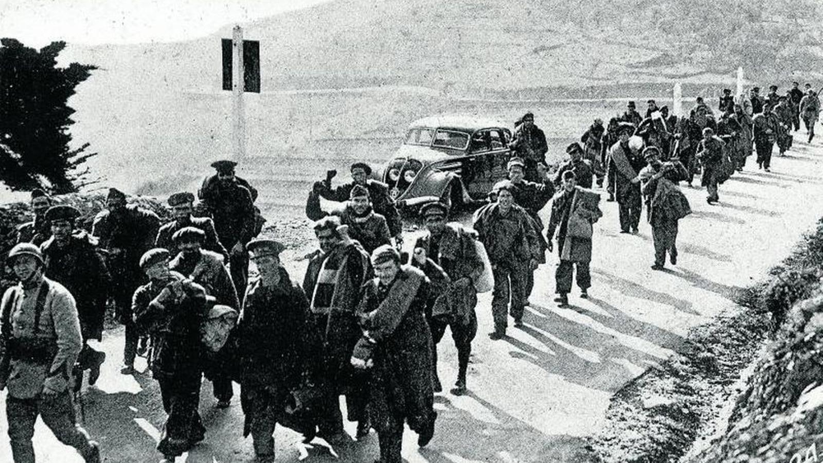 Els militars republicans no van poder entrar a França fins al 5 de febrer i van ser enviats als camps de concentració. / AUGUSTE CHAUVIN (ARCHIVES DÉPARTEMENTALES DES PYRÉNÉES-ORIENTALES)