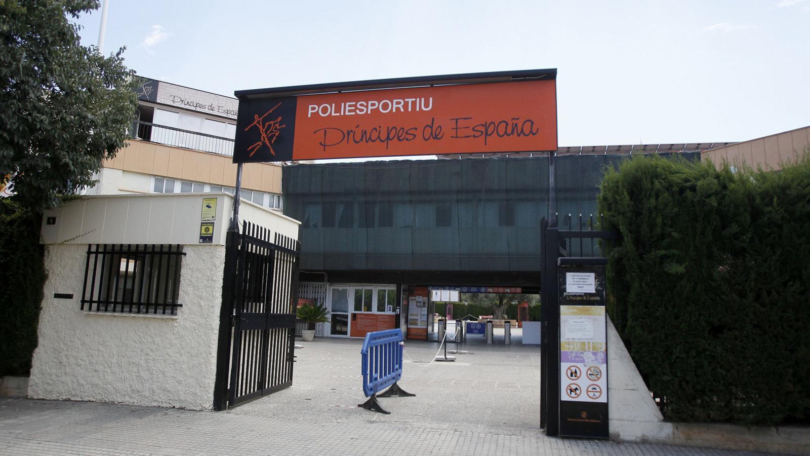 El Govern vol canviar           el nom del poliesportiu Prínceps d'Espanya