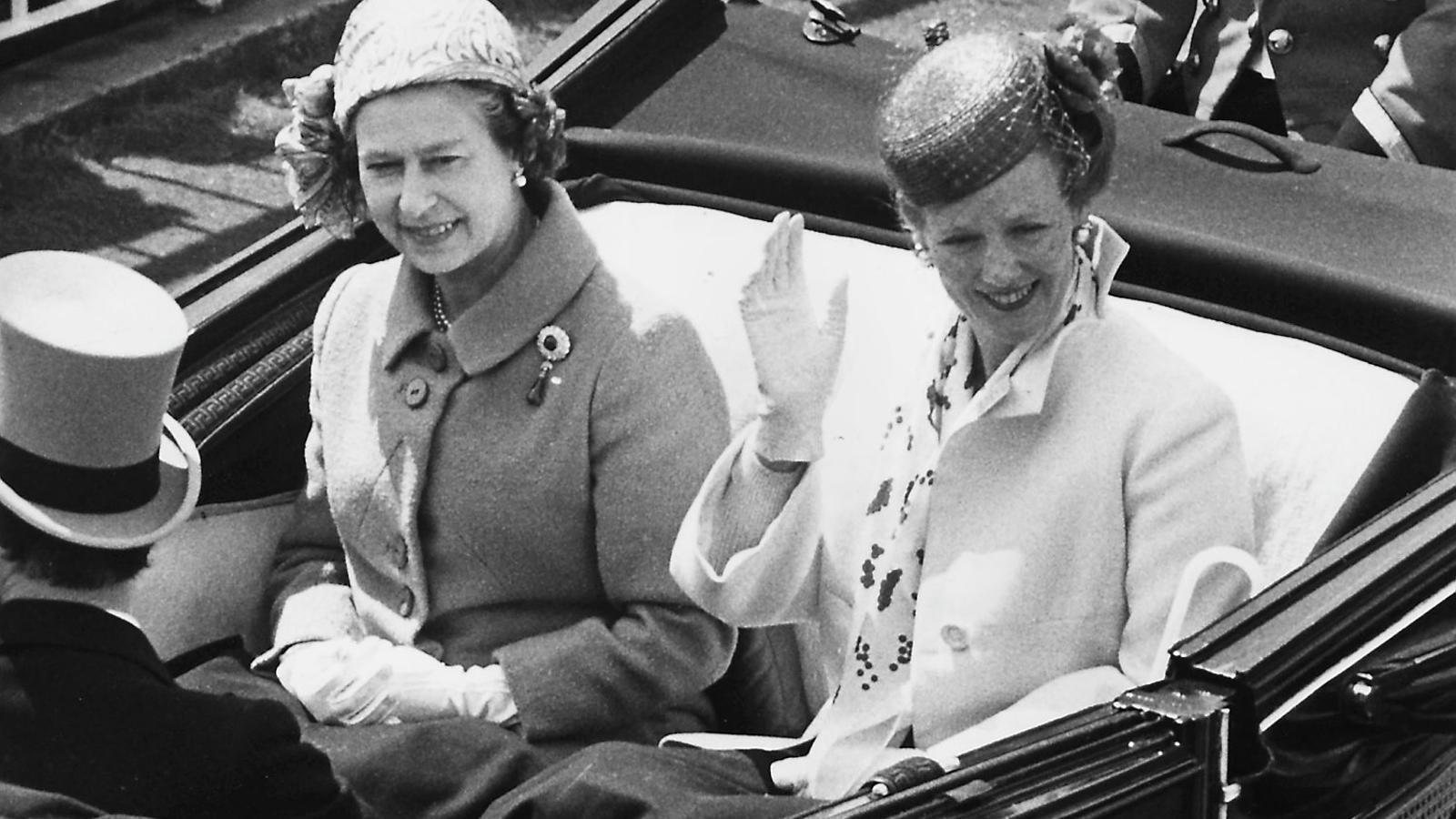 Elisabet II,  nou dècades com  a icona de la moda