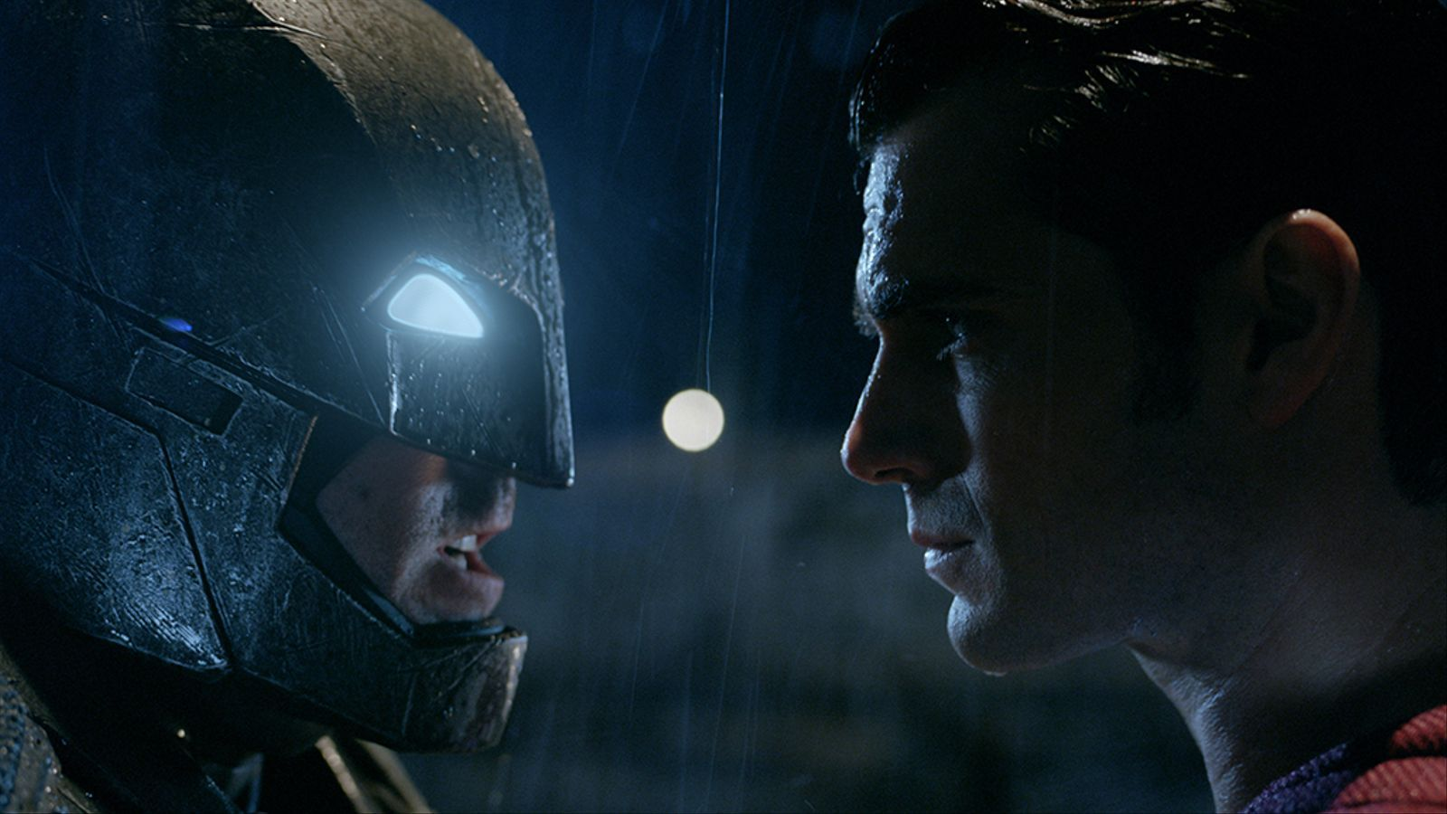 Molt soroll per no res. La videocrítica de 'Batman v Superman'