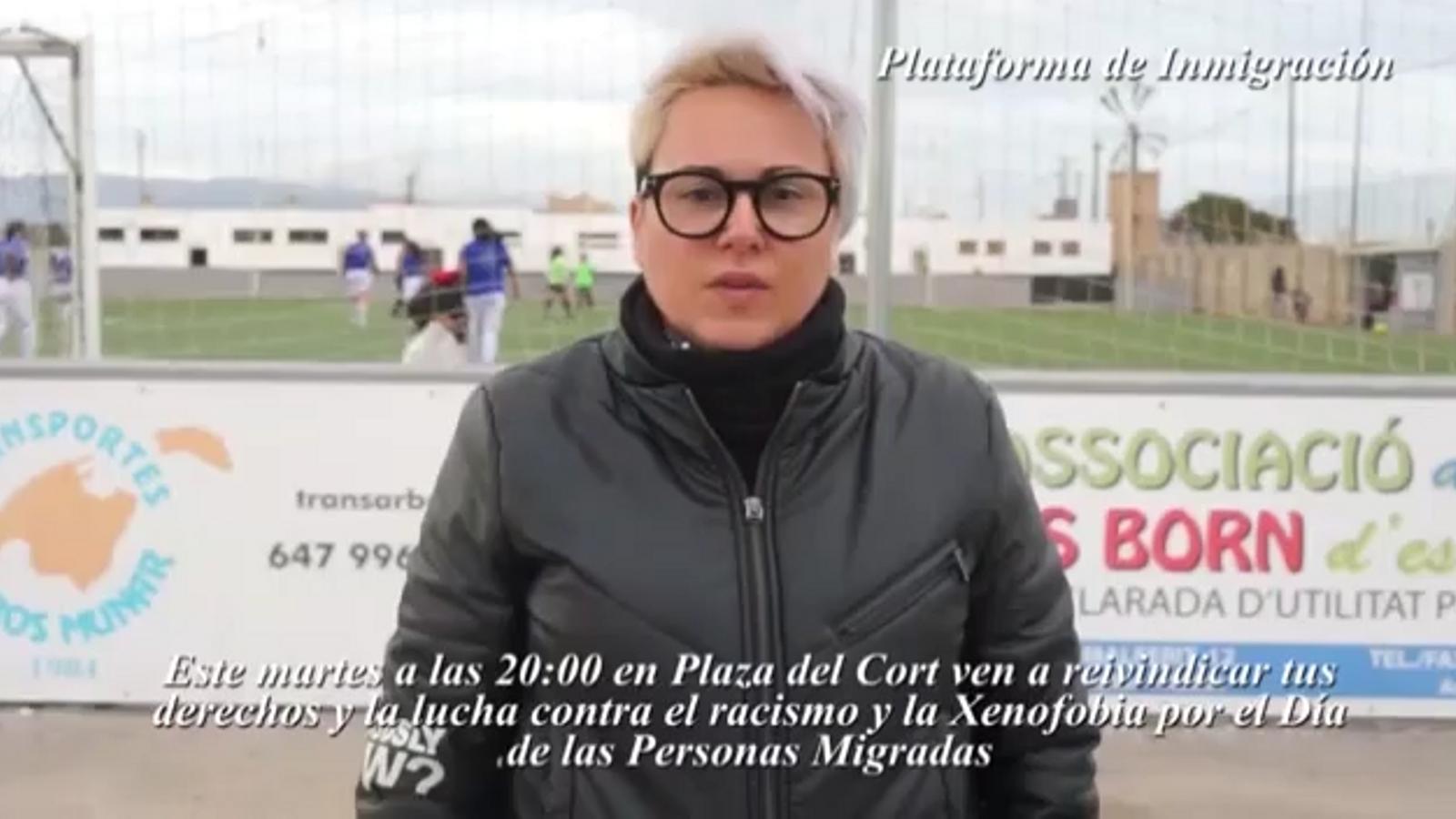 Concentració davant l'Ajuntament de Palma contra el racisme i el feixisme