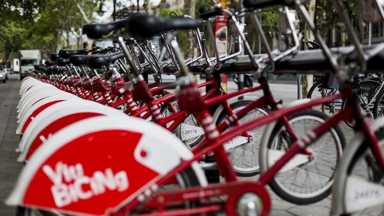 El Bicing serà de 24 hores amb el triple de bicis elèctriques