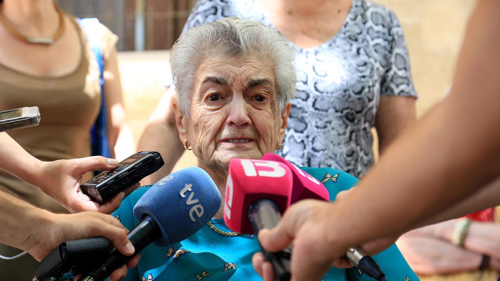 """Francisca Alomar, víctima del Franquisme: """"Només voldria que trobassin els ossos i posar-los un ram de flors"""""""