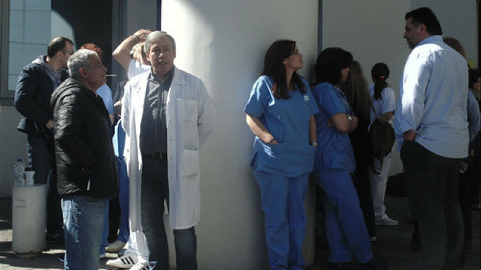 Retallades, refugiats i pobresa: la triple crisi de la sanitat grega