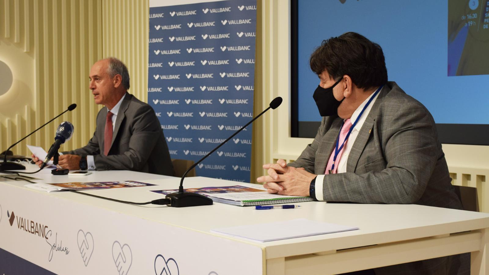 El director general de Vall Banc, José Luis Dorado, i el president d'Assandca, Josep Saravia, durant la roda de premsa celebrada aquest dimarts / MP