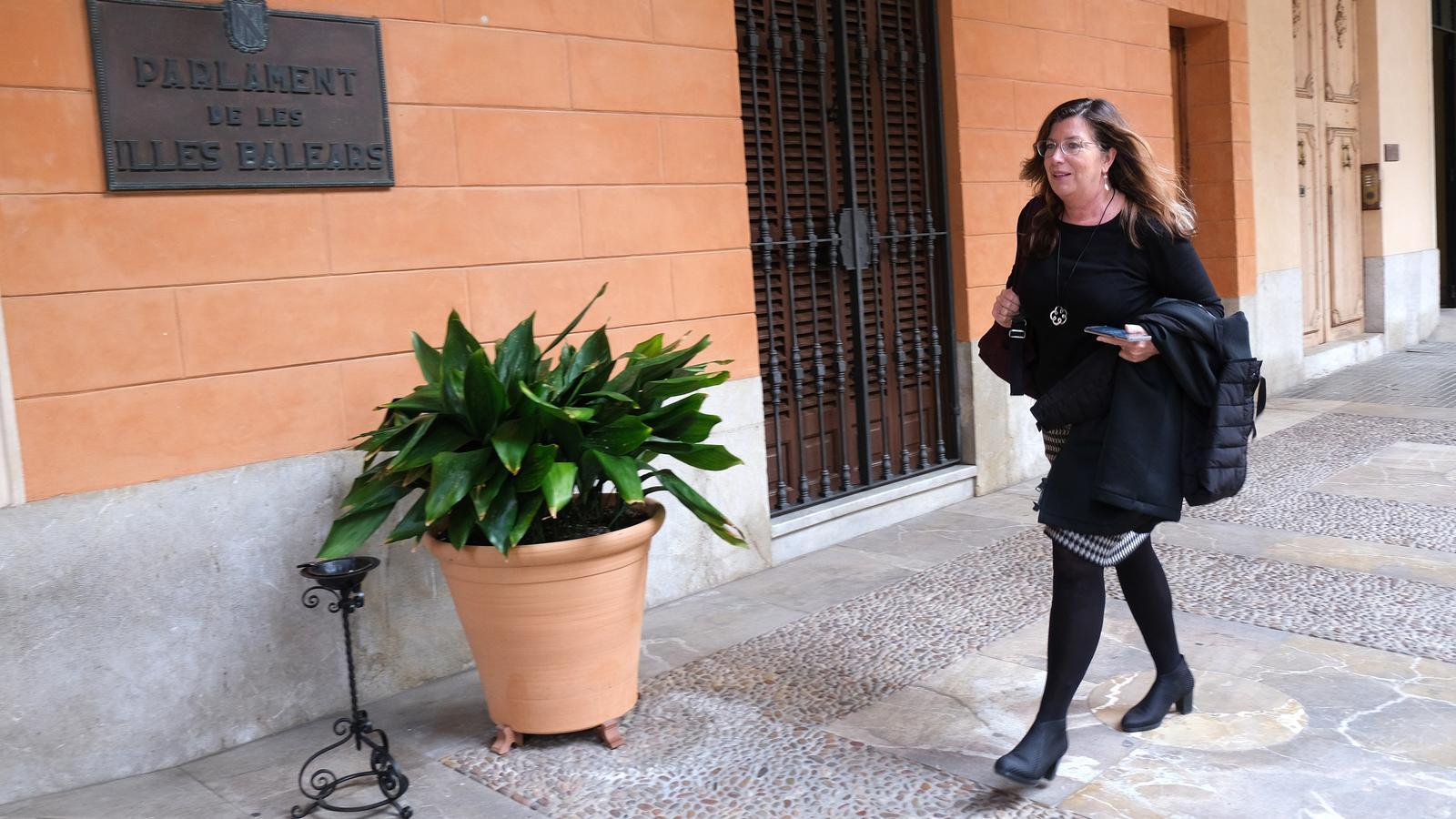 La consellera de Salut, Patrícia Gómez, arriba aquest dimarts al Parlament