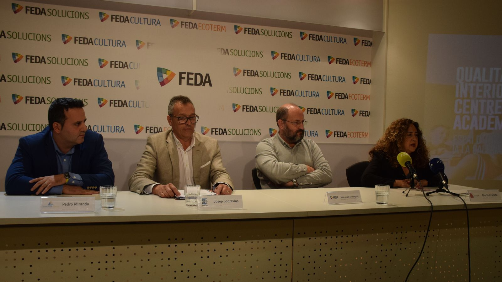 Pedro Miranda, director de TeamStone; Josep Sobrevias, president d'AAQAI; Joan Lluís Armengol, cap de Seguretat, Qualitat i Medi Ambient de FEDA, i la doctora Gloria Cruceta, presidenta de l'Associació Catalana d'Empreses Especialistes en Síndrome de l'Edifici Malalt. / M. R. F.