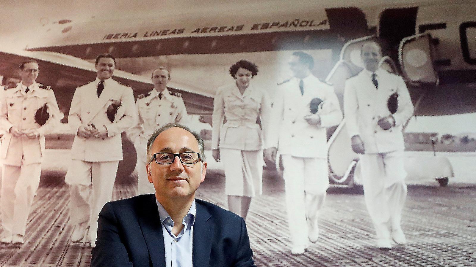 Luis Gallego (01), fins ara president d'Iberia, és el nou conseller delegat d'IAG en lloc de Willie Walsh (02).
