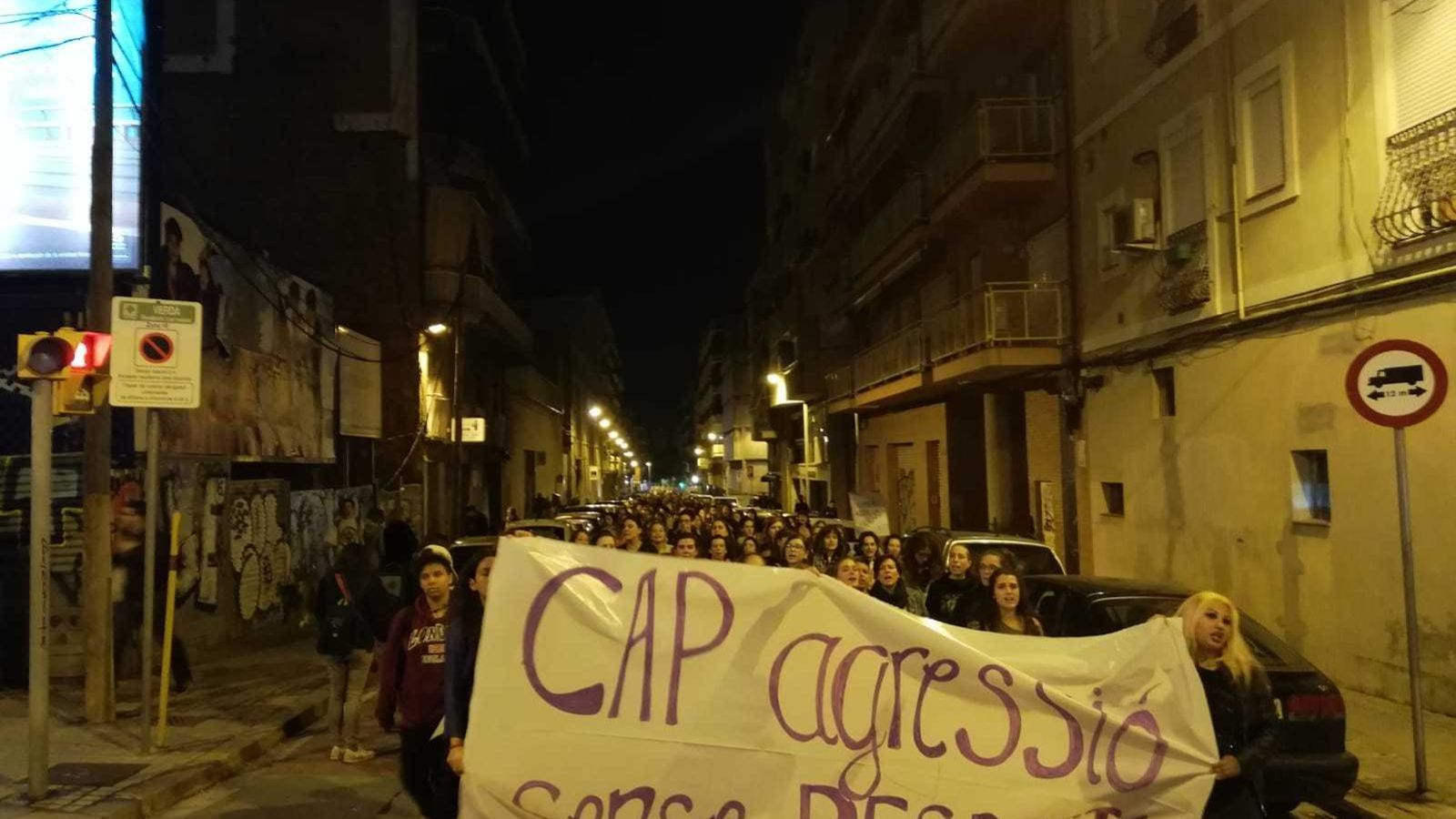 """El Poble-sec surt al carrer per reclamar """"un barri lliure de les violències masclistes"""""""