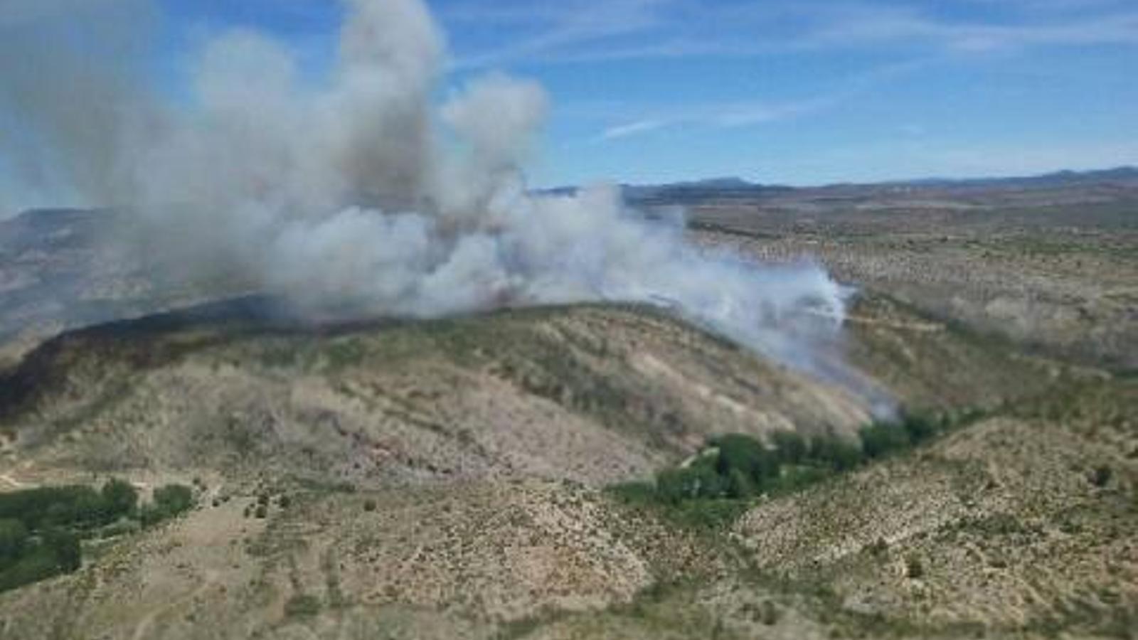 Imatge de la situació de l'incendi declarat a Vallanca.