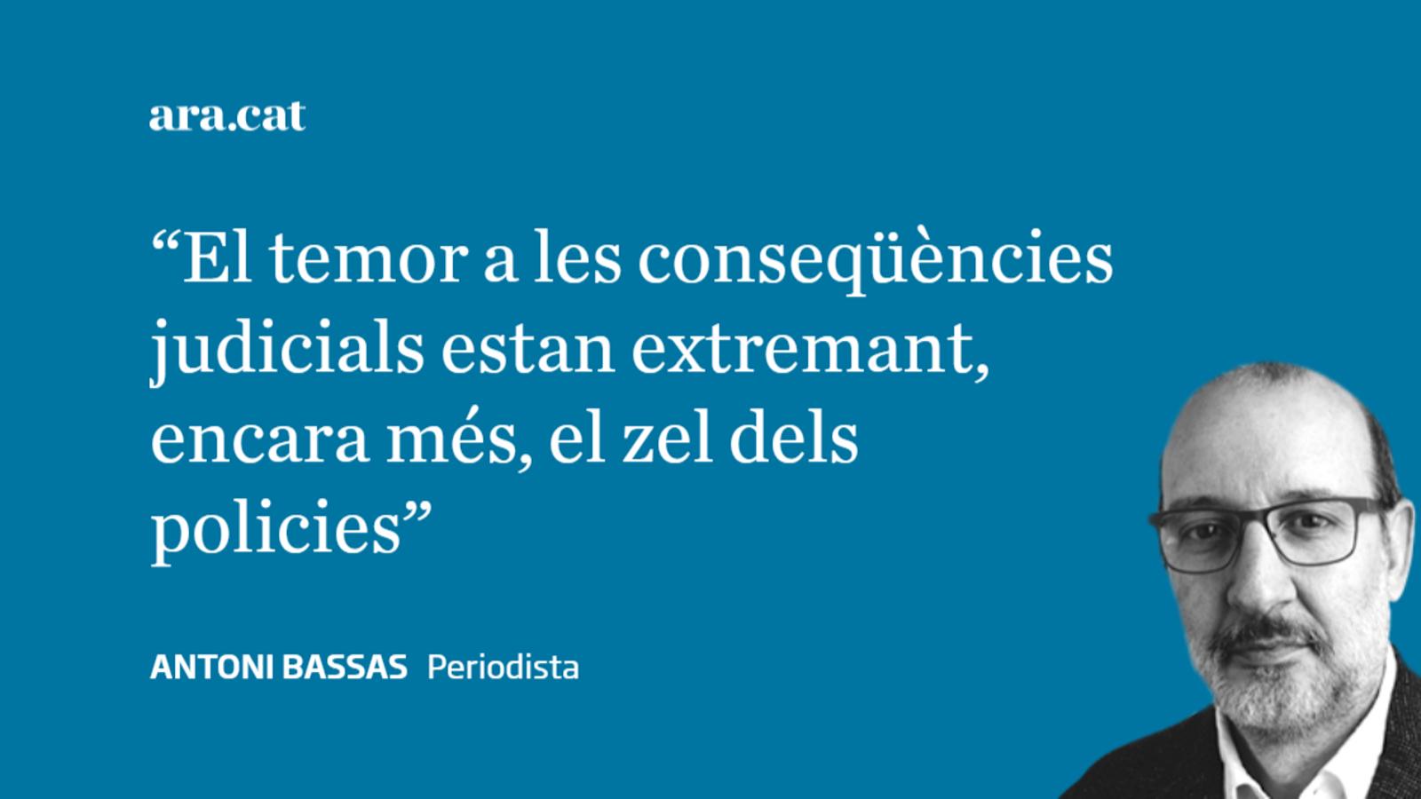Mossos, llaços  i democràcia vigilada