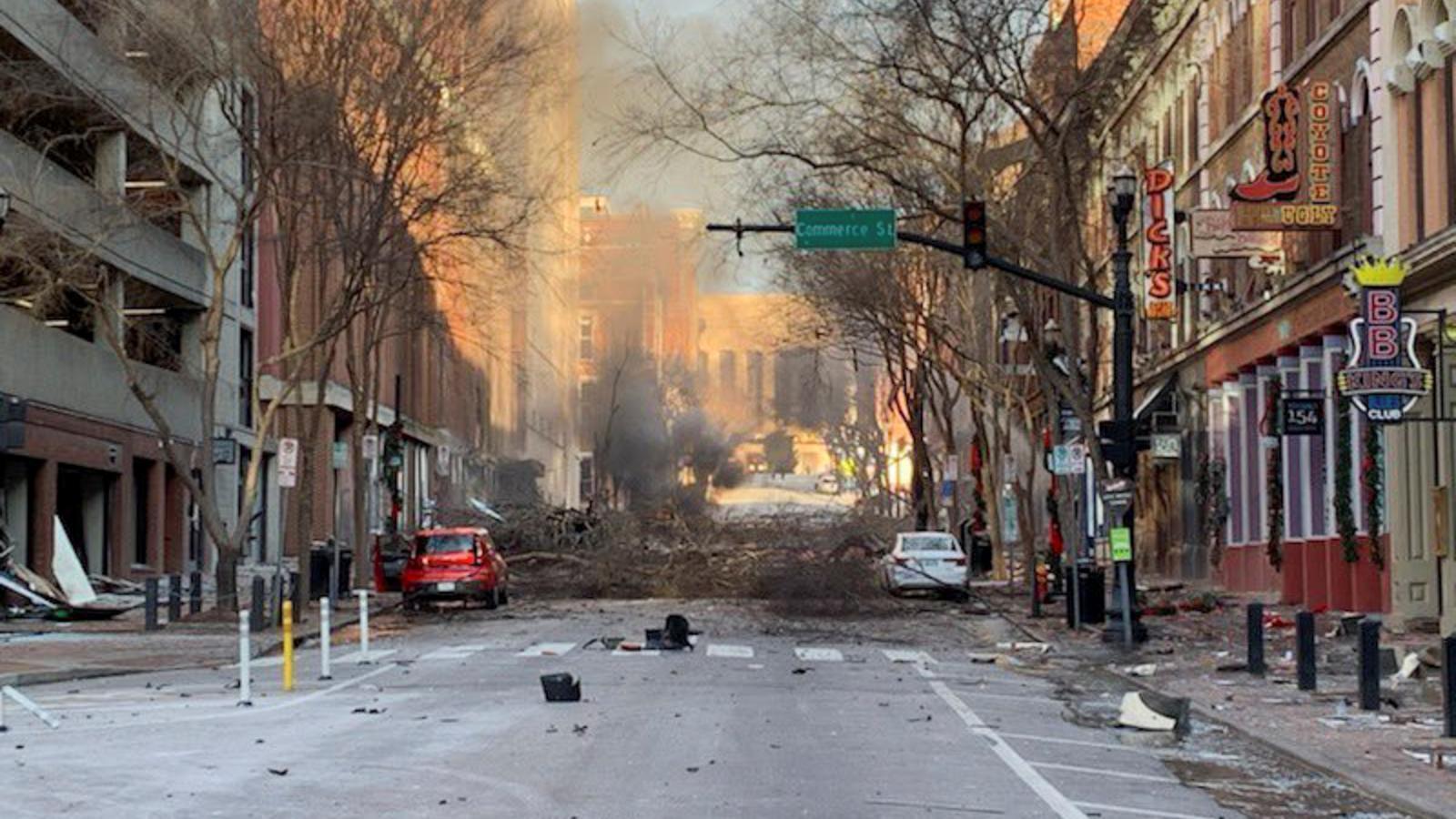 Una imatge del centre de Nashville proporcionada per la policia en què es veuen les conseqüències de l'explosió
