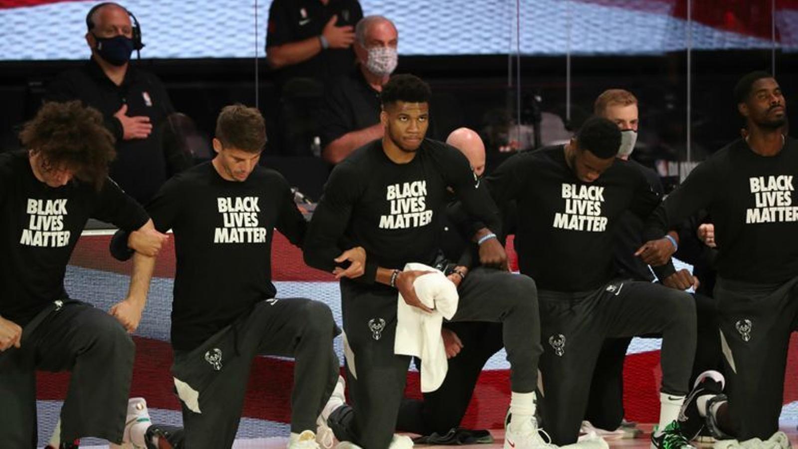 Els Milwaukee Bucks de la NBA es neguen a jugar el seu partit del play-off per protestar contra un nou cas de violència policial contra afroamericans