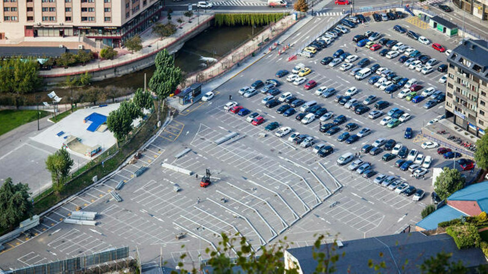 L'aparcament del Parc Central. / ARXIU