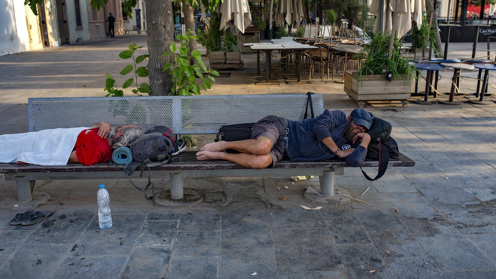 Les persones que viuen al carrer a Barcelona augmenten més d'un 80% en dotze anys