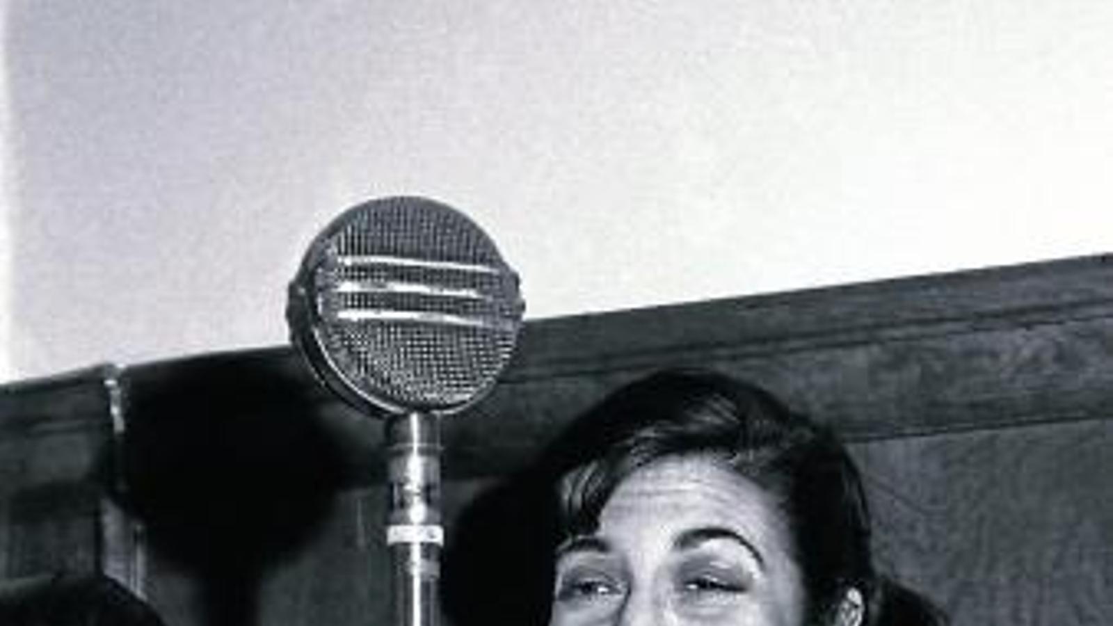 L'escriptora l'any 1954, poc després de rebre el premi Planeta per Pequeño teatro.