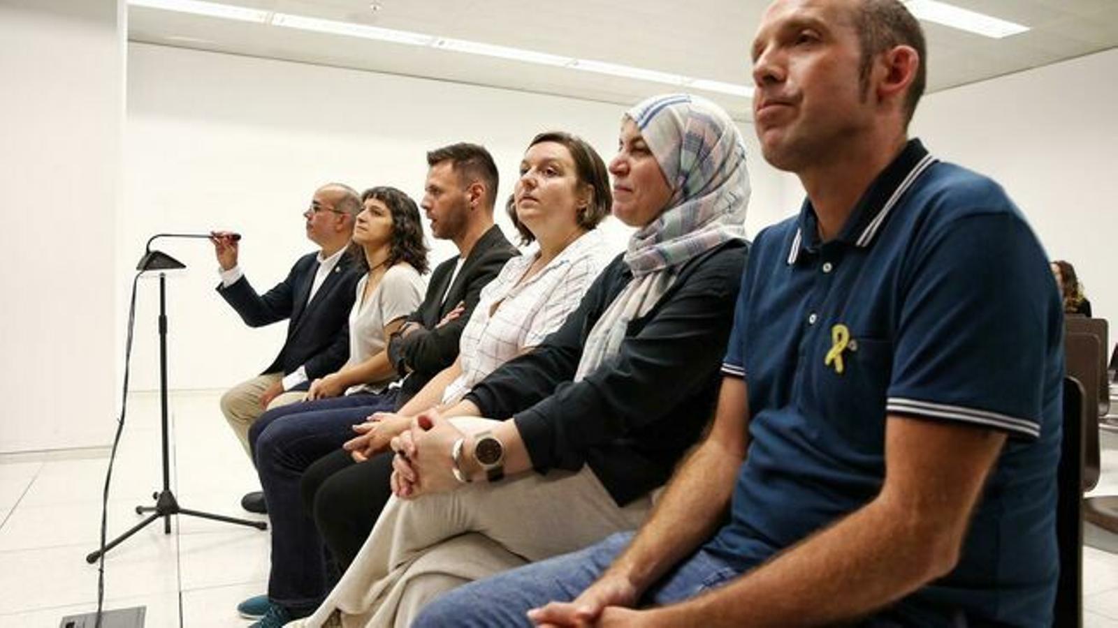 """Els regidors de Badalona jutjats pel 12-O al·leguen que no van obrir al públic i que va ser un """"acte polític"""""""