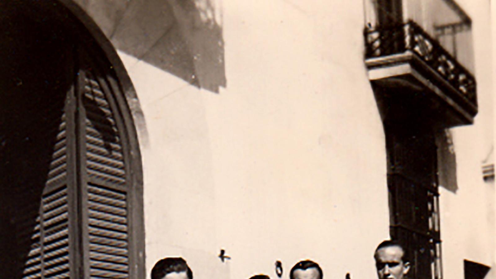 Els cinc germans Sayrach el 1942.