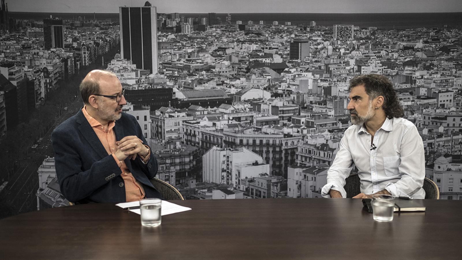 Entrevista d'Antoni Bassas a Jordi Cuixart