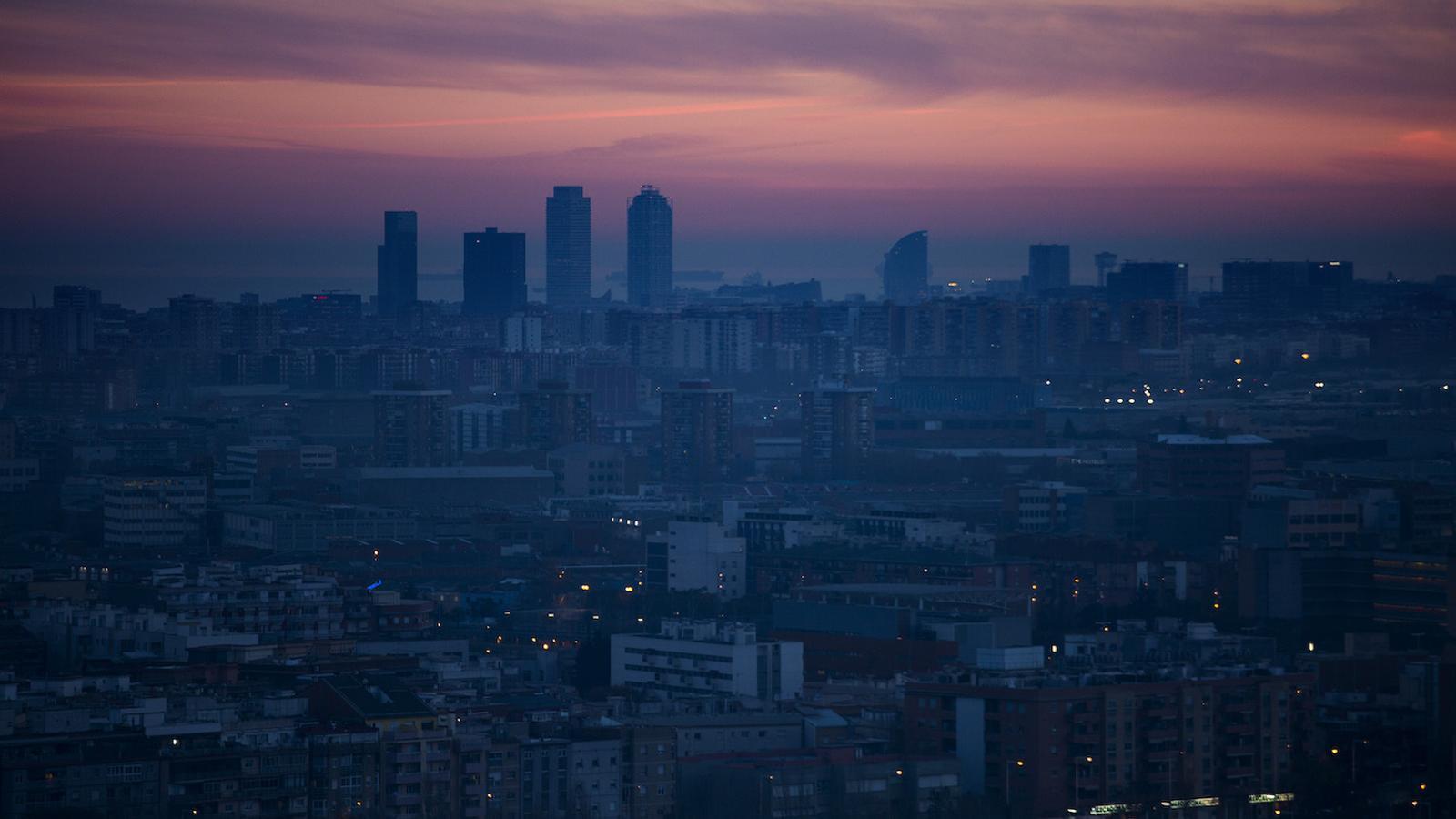 Barcelona, sota la contaminació