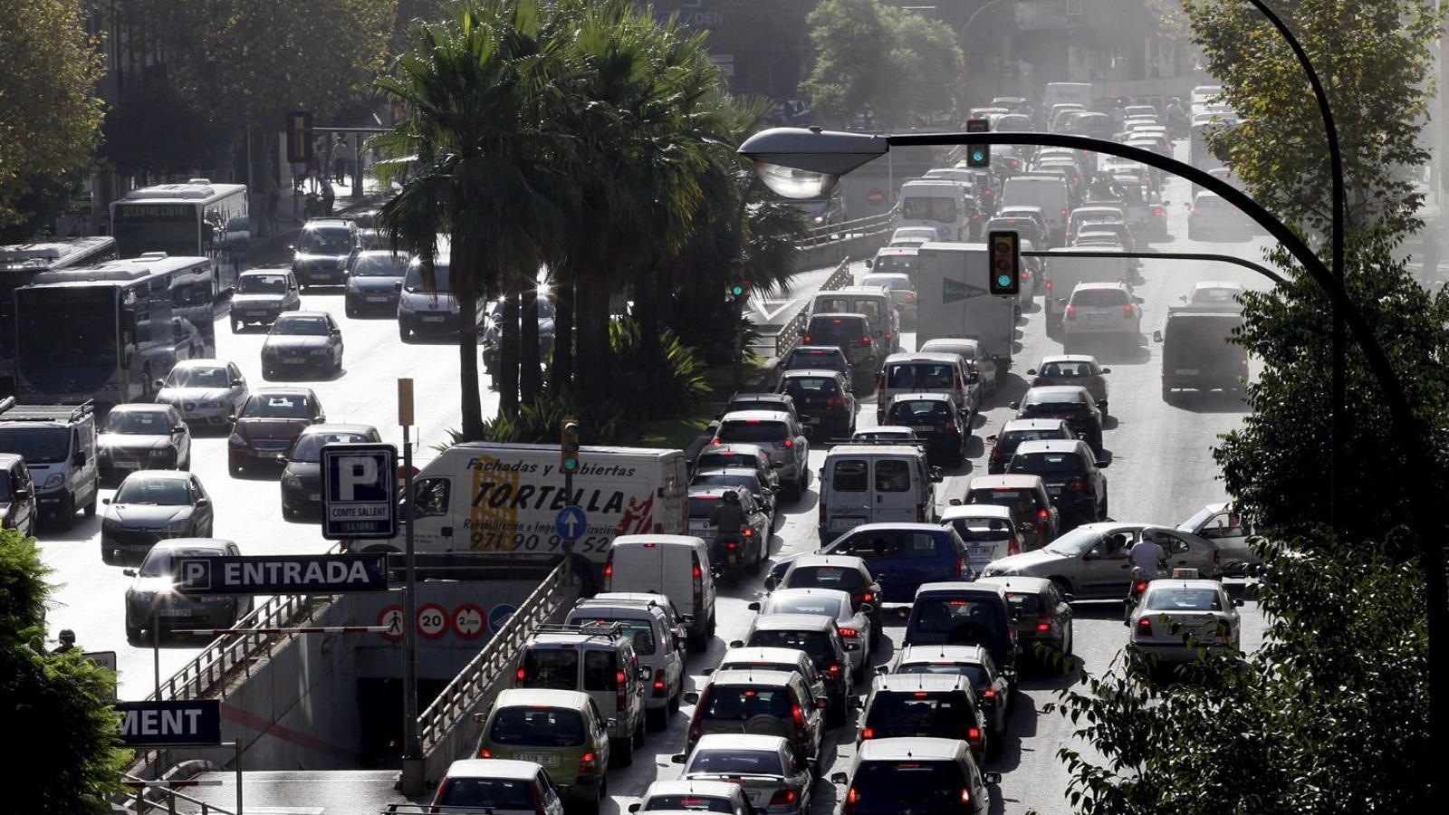 A partir de 2025, no podran entrar cotxes dièsel a les Illes Balears.