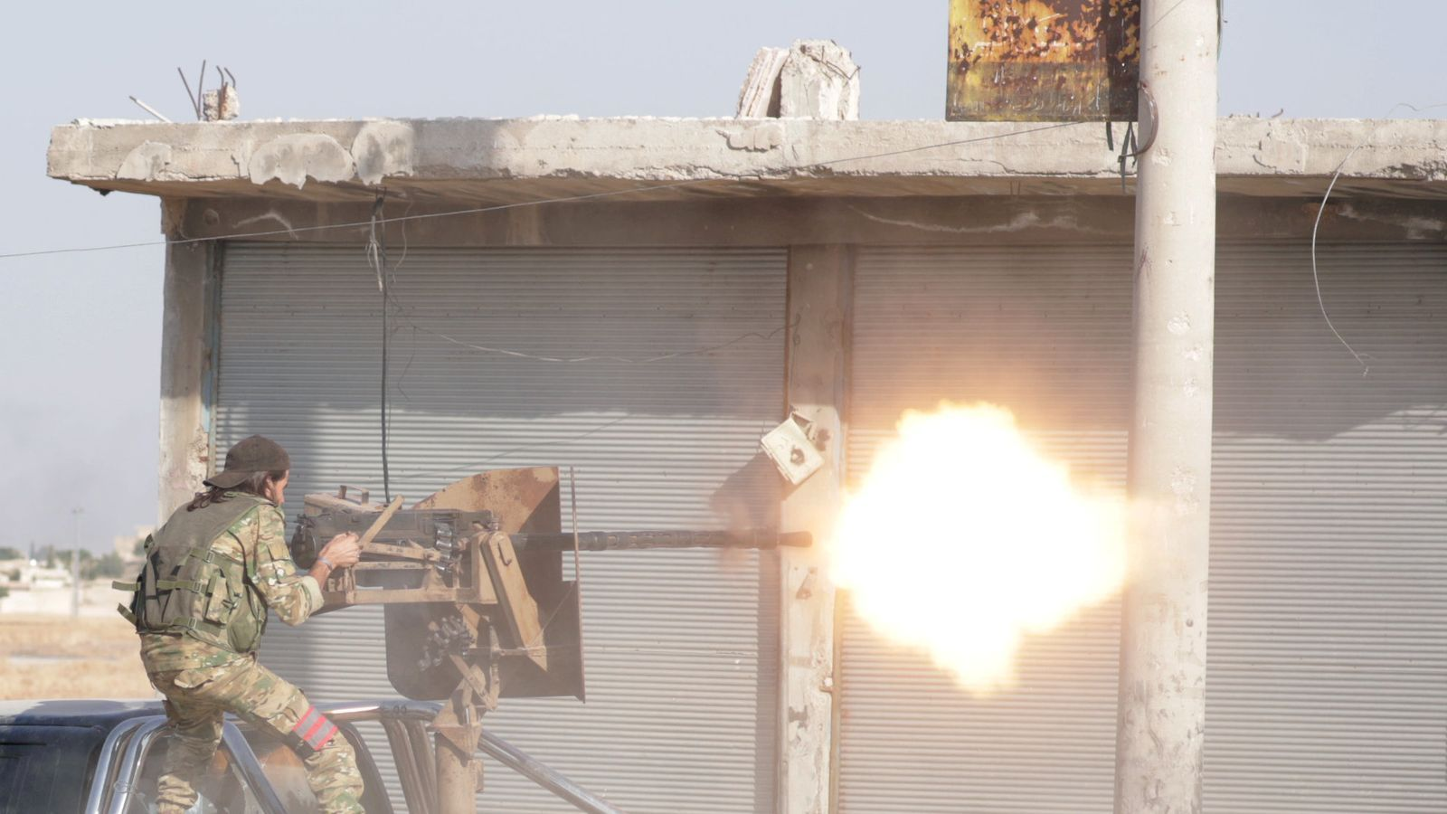 Els kurds s'alien amb Al-Assad  i Rússia davant la invasió turca