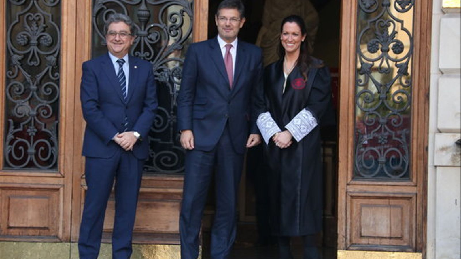 El ministre de Justícia, Rafael Catalá, abans d'entrar a l'acte de l'ICAB