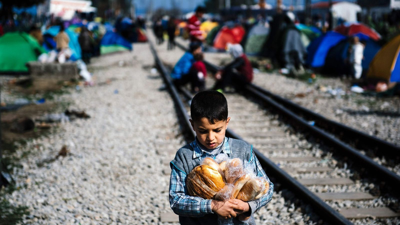 A Idomeni hi ha prop de 15 mil persones atrapades. DIMITAR DILKOFF/ AFP